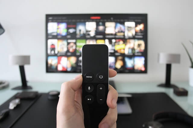 テレビ用視聴デバイスで動画を見る